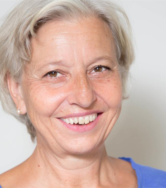 Portraitfoto von Petra Buschfeld Therapeutin im Therapiezentrum Brig