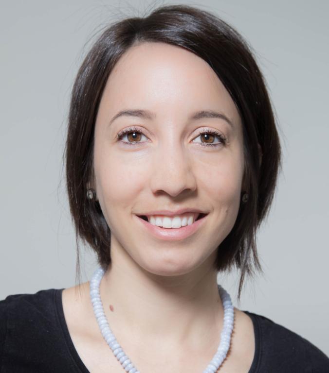 Portraitfoto von Cindy Schalbetter Therapeutin im Therapiezentrum Brig
