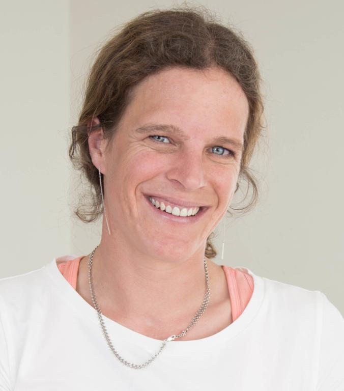 Portraitfoto von Nadine Jossen Therapeutin im Therapiezentrum Brig