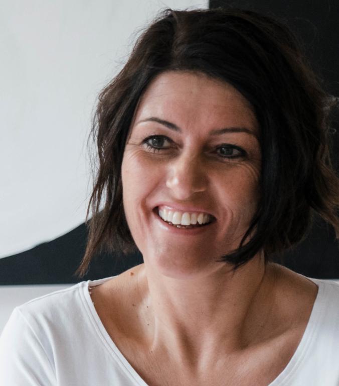 Portraitfoto von Jolanda Volken Therapeutin im Therapiezentrum Brig
