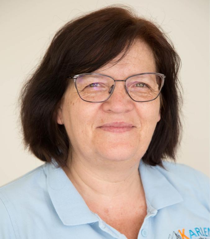 Portraitfoto von Emilia Karlen Therapeutin im Therapiezentrum Brig