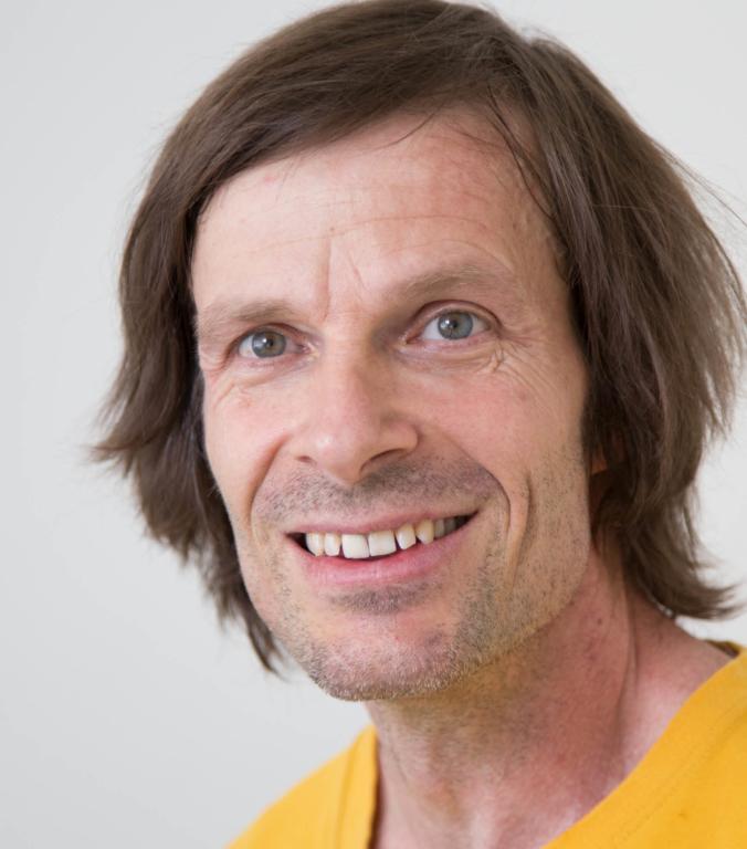 Portraitfoto von Alexander Devaud Therapeut im Therapiezentrum Brig