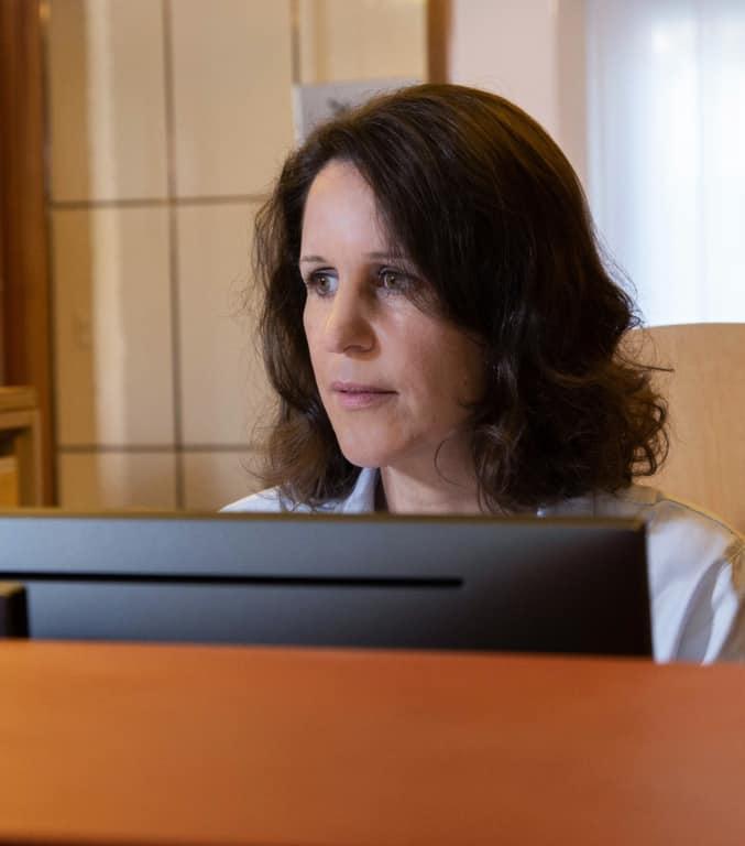 Portraitfoto von Antoinette Biner Therapeutin im Therapiezentrum Brig